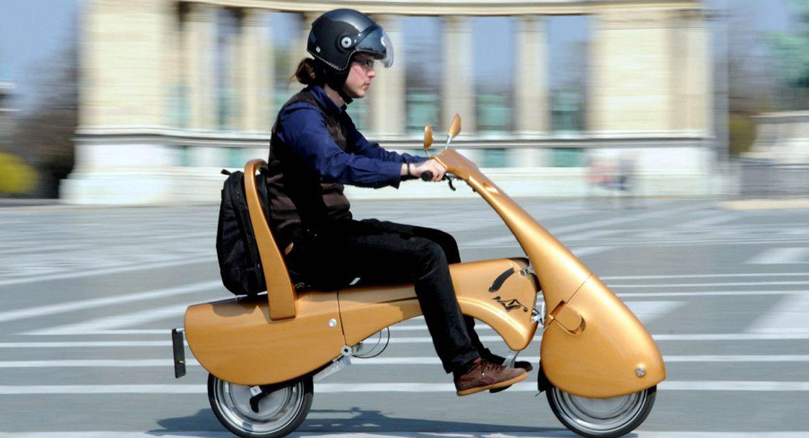 Moveo, um scooter dobrável.