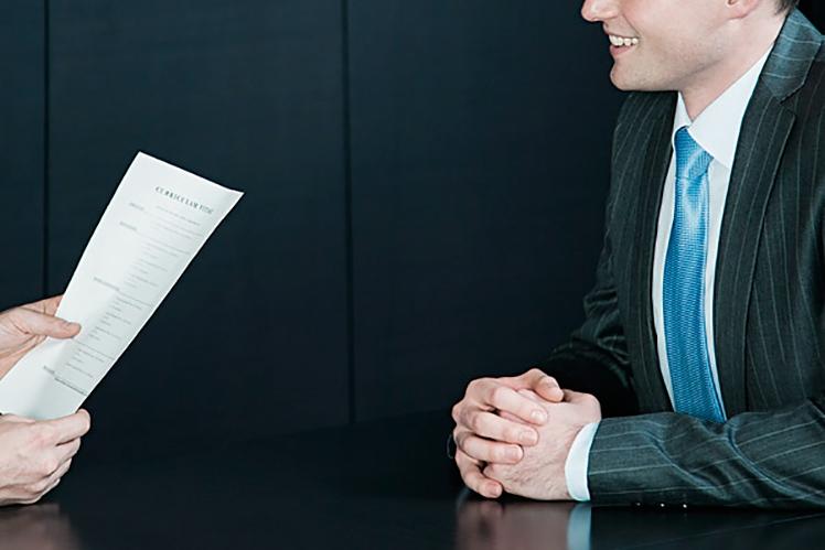 Como agir numa entrevista de emprego?